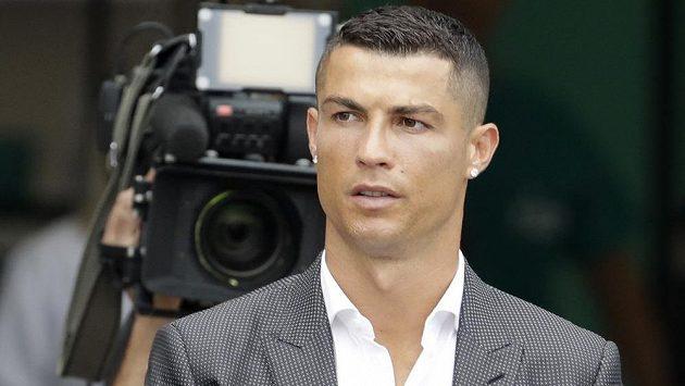 Může si oddechnout. Cristiano Ronaldo za mříže nepůjde, zaplatil však vysokou pokutu a dostal dvouletou podmínku.