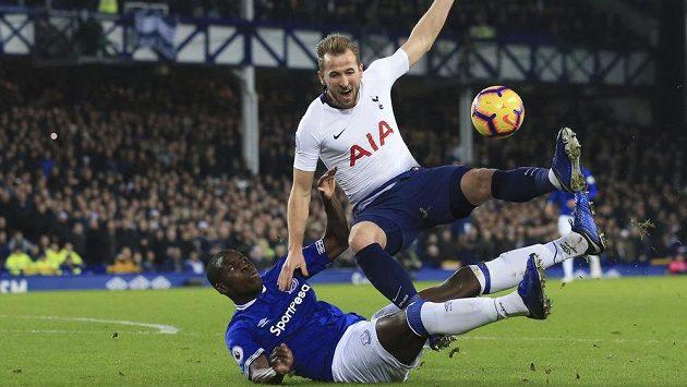 Fotbalisté Tottenhamu zvítězili v předvánočním duelu na hřišti Evertonu 6:2.