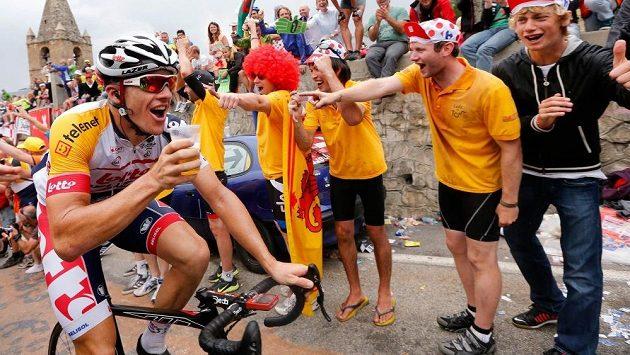 Cyklistický tým Lotto Soudal jezdcům i dalším zaměstnancům alkohol.