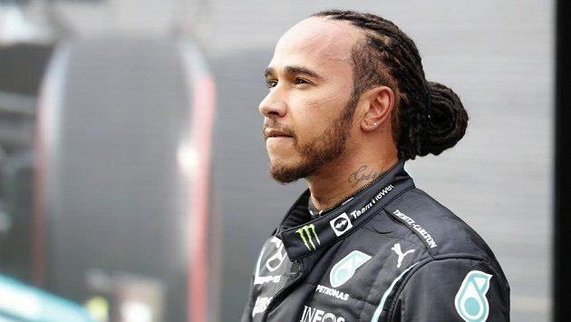 Britský jezdec Lewis Hamilton