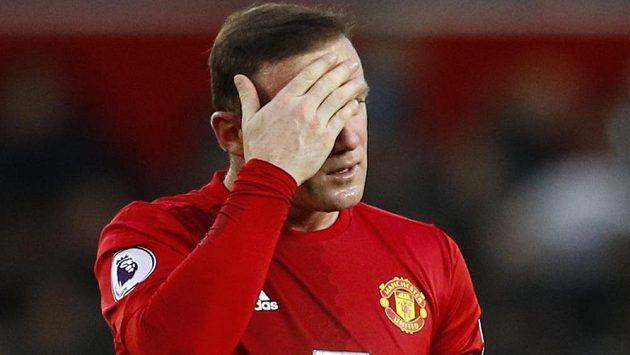 Wayne Rooney už má omílání svého skandálu dost.
