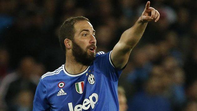 Juventus se opět mohl spolehnout na svého kanonýra. Gonzalo Higuain vstřelil Chievu dva góly.