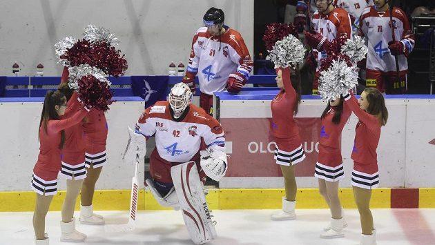 Hokejisté Olomouce nastupují na led - ilustrační foto.