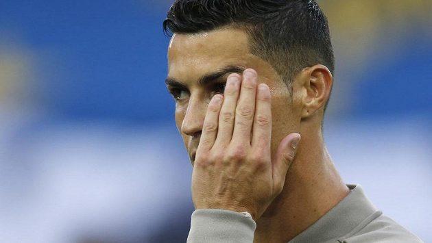 Na trávníku se mu daří, ale jinak má Cristiano Ronaldo plnou hlavu problémů