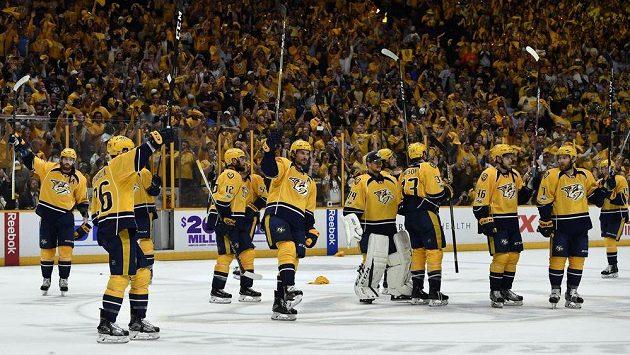 Hokejisté Nashvillu slaví domácí vítězství nad Anaheimem ve třetím semifinále play off.