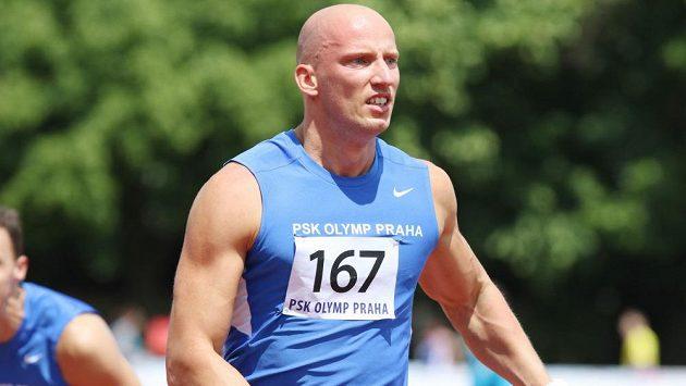 Překážkář Petr Svoboda při atletické extralize v Kladně.