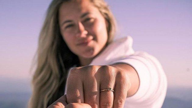Snowboardistka Šárka Pančochová požádala o ruku svou přítelkyni Američanku Kaileen Lareeovou. Zdroj: Instagram Šárka Pančochová