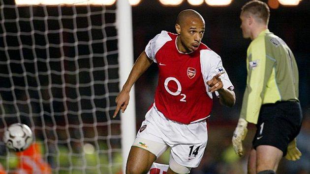 Thierry Henry ještě v dresu Arsenalu.