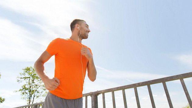 Je mnoho důvodů, proč běh kouzlí lidem úsměv na tváři.