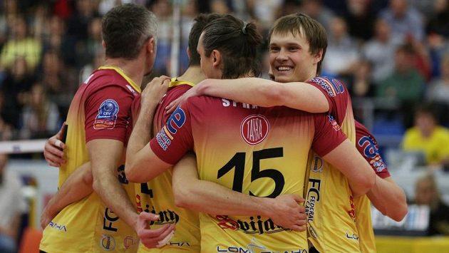 Volejbalisté Dukly Liberec se radují z výhry - ilustrační foto.