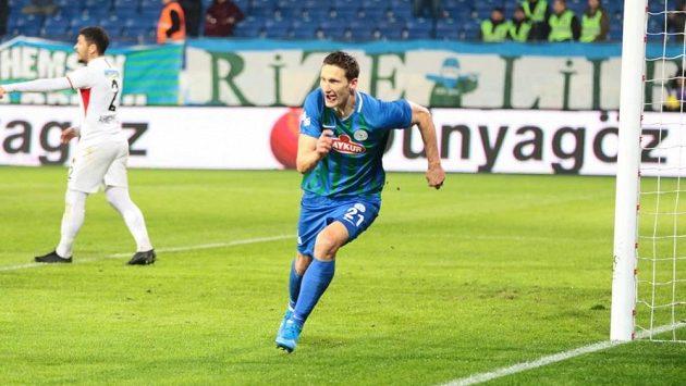 Bývalý útočník Slavie Milan Škoda v dresu Rizesporu.