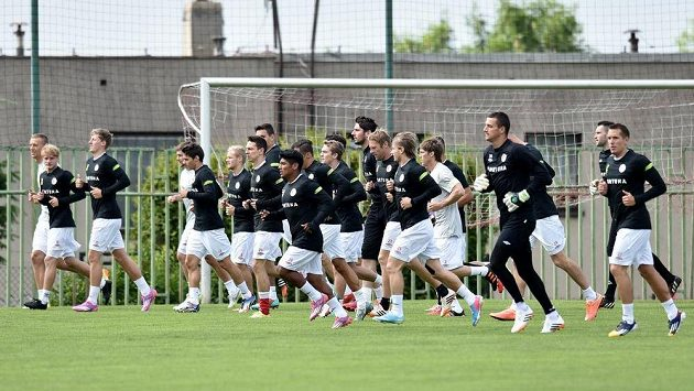 Fotbalisté Slavie Praha během zahájení letní přípravy.