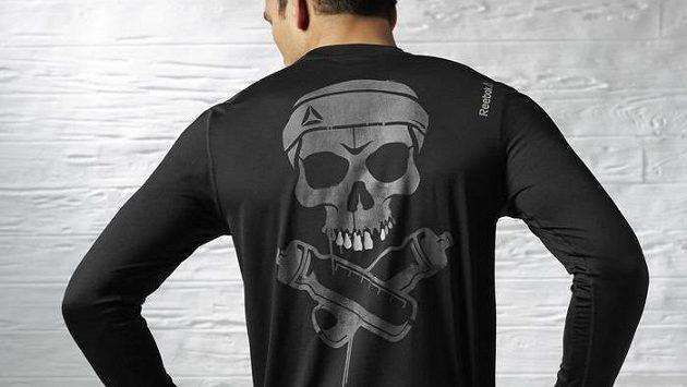 """Mezi piráty má triko přezdívku """"Černá perla""""."""