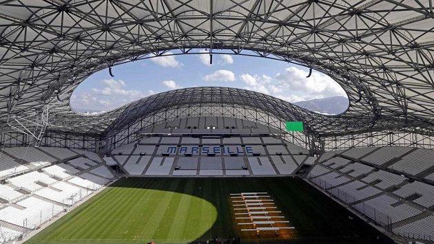 Aktuální kapacita zrekonstruovaného Stade Vélodrome je 67 371 diváků.