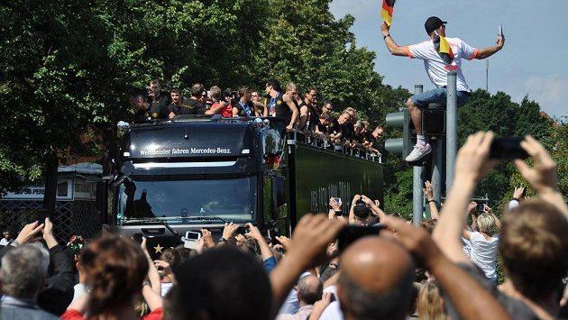 Němečtí fotbaloví mistři světa zůstávají nejlepším týmem podle FIFA.