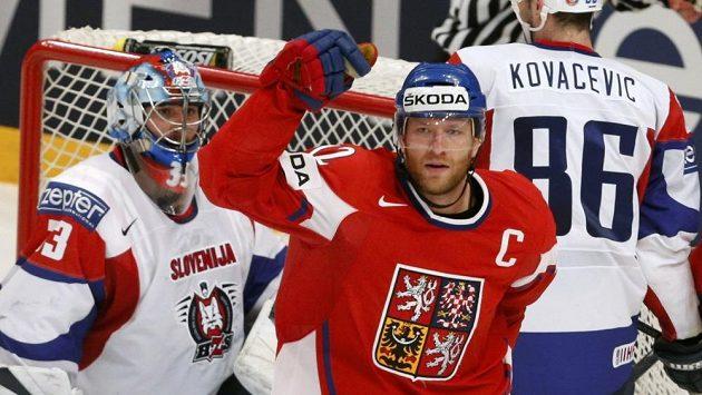 Jiří Novotný se raduje z branky do sítě Slovinska.