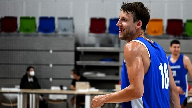 Český basketbalový reprezentant Jan Veselý.