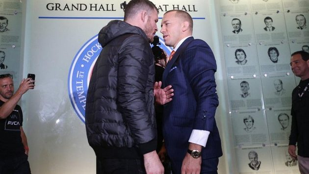Georges St-Pierre (vpravo) a Michael Bisping. Jak dopadne jejich souboj na UFC 2017?