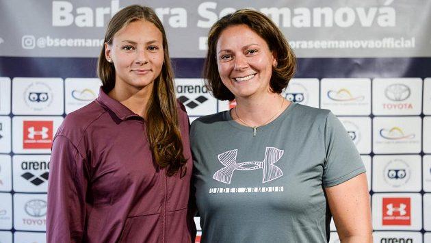 Barbora Seemanová (vlevo) se svou trenérkou Petrou Škábovou.