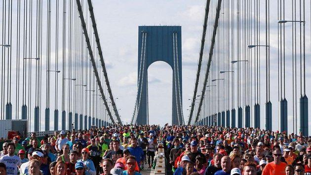 Most Verrazano-Narrows Bridge je neodmyslitelně spjat se startem maratonu.