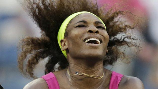 Serena Williamsová se raduje z postupu do finále US Open.
