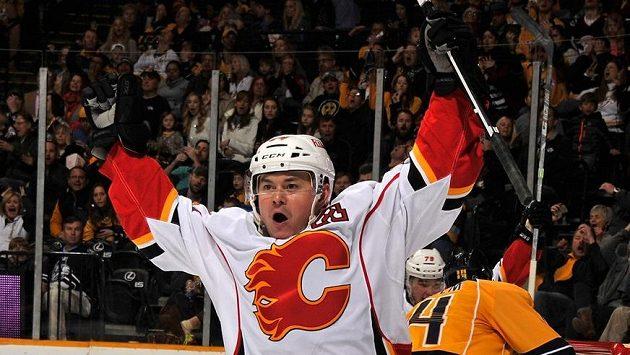 Jiří Hudler zažil v Calgary parádní sezónu. Pomůže mu to k zisku trofeje pro hokejového gentlemana?