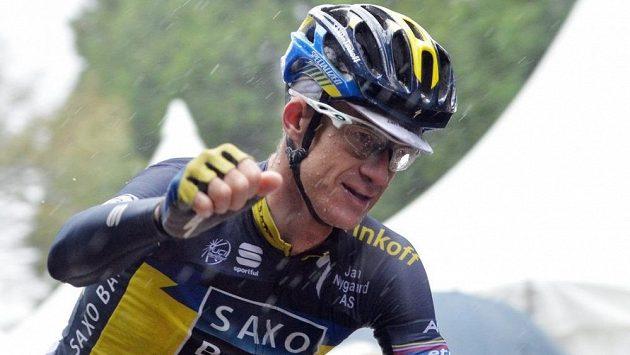 Člen týmu Saxo-Tinkoff Michael Rogers se raduje v Japonsku z výhry. Teď vyšlo najevo, že neprošel dopingovou kontrolou.