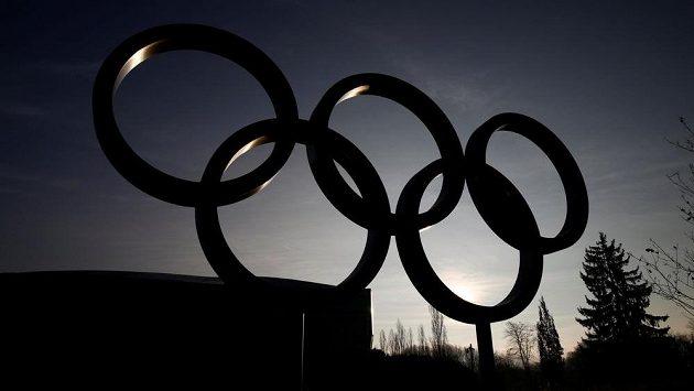Olympijské kruhy před sídlem MOV v Lausanne - ilustrační foto.