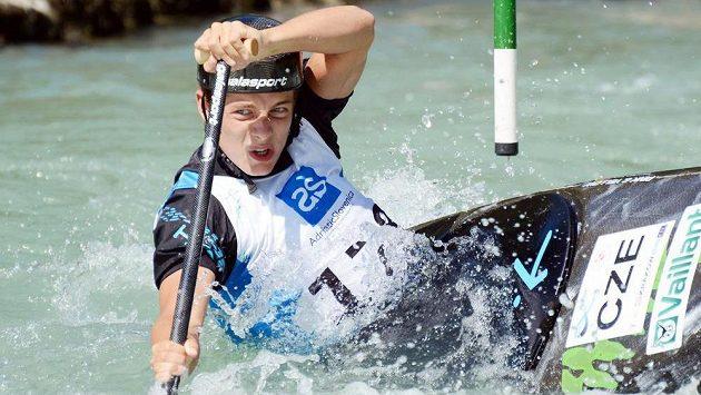 Český závodník Matyáš Lhota na juniorském mistrovství Evropy ve vodním slalomu ve slovinském Solkanu.