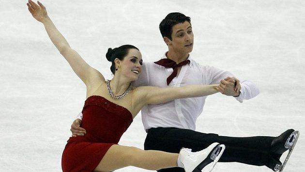 Tessa Virtueová a Scott Moir z Kanady během mistrovství světa v Nice