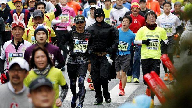 Účastníci maratónu v Tokiu.