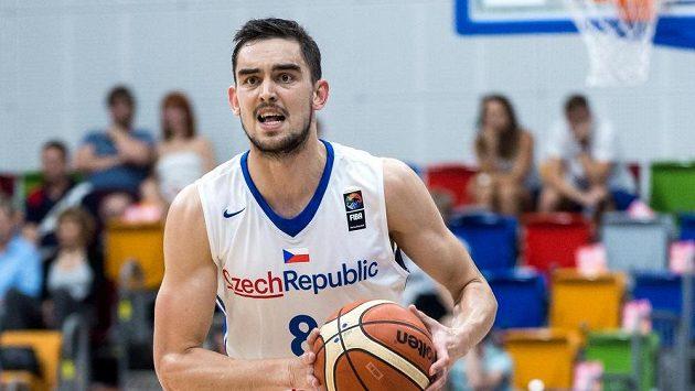 Český basketbalista Tomáš Satoranský v reprezentačním dresu.