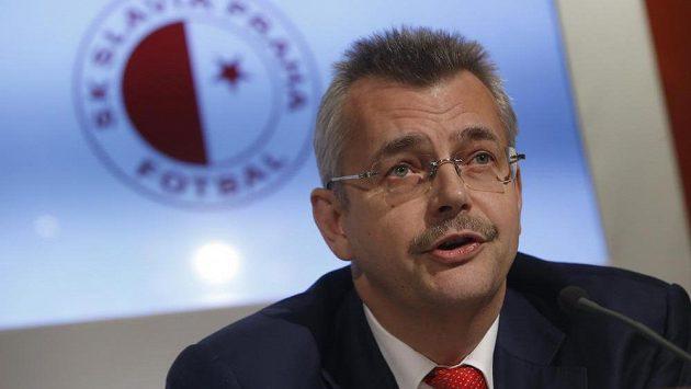 Jaroslav Tvrdík na tiskové konferenci Slavie.