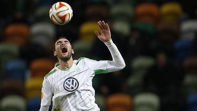 Útočník Wolfsburgu Bas Dost.