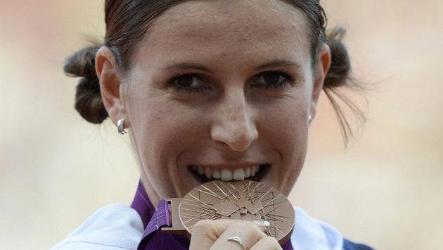 Běžkyně Zuzana Hejnová s bronzovou medailí