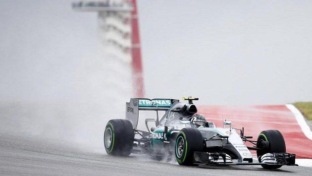 Nico Rosberg z Mercedesu byl v prvním a jediném pátečním tréninku na Velkou cenu USA formule 1 nejrychlejší.