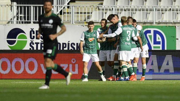 Fotbalisté Jablonce se radují z druhého gólu proti Bohemians.