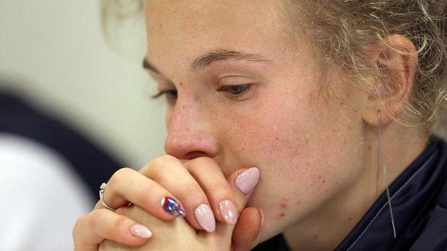 Kateřina Siniaková na tiskové konferenci po prohraném zápase.