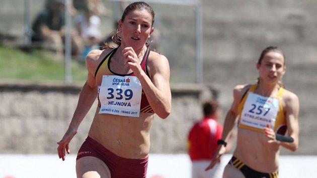 Zuzana Hejnová se v Třinci představila na dvoustovce a ve finále skončila šestá.
