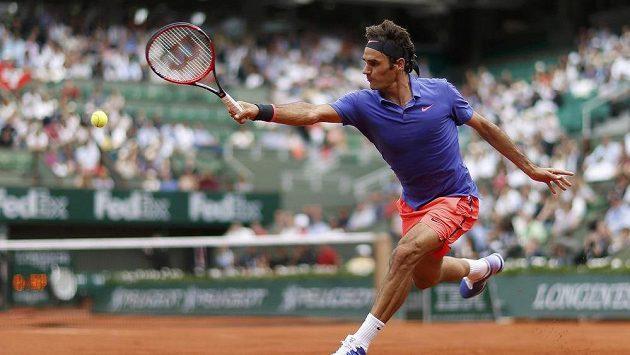 Švýcarský tenista Roger Federer během 1. kola French Open.