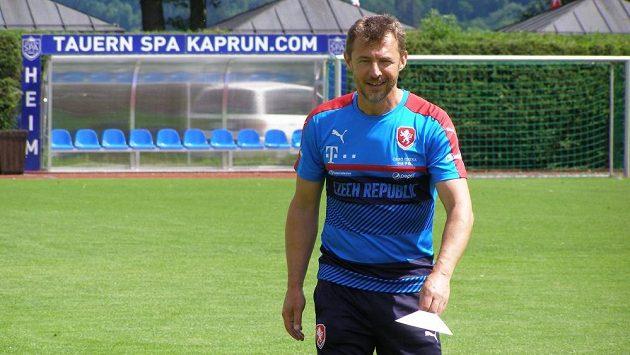 Petr Kouba, trenér brankářů u reprezentační jednadvacítky, během tréninkového kempu v Rakousku.
