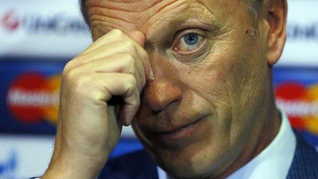Zadumaný trenér Manchesteru United David Moyes.