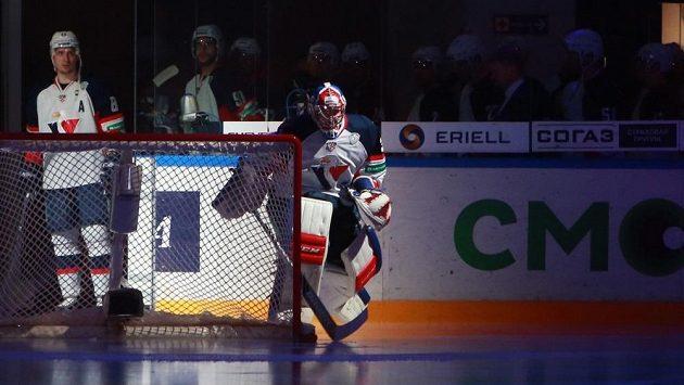 Hokejisté Slovanu Bratislava vyjíždějí na led k utkání proti domácímu CSKA Moskva.