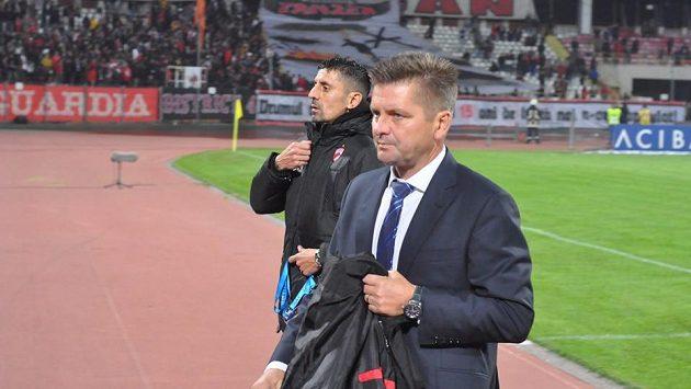 Trenér Dinama Bukurešť Dušan Uhrin mladší.