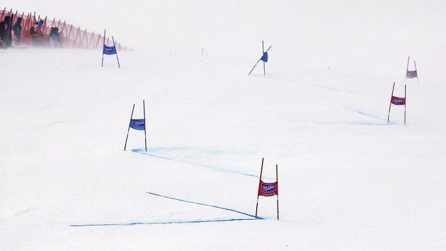 Vítr překazil závod Světového poháru v Courchevelu.