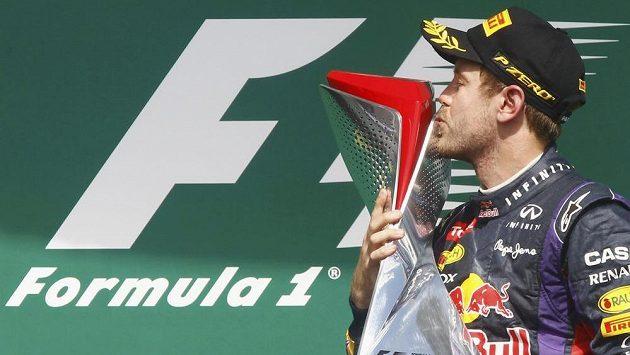 Pilot Red Bullu Sebastian Vettel se raduje z vítězství v GP Kanady.