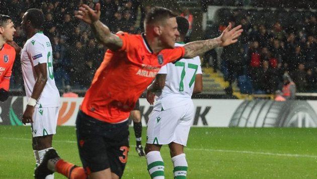 Slovenský fotbalový obránce Martin Škrtel je prý v hledáčku pražské Sparty. Pokud klub neudrží stopera Dávida Hancka, mohl by angažovat jeho zkušenějšího krajana.