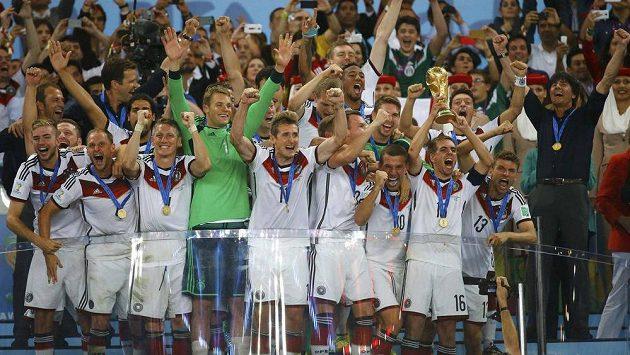 Fotbalisté Německa slaví titul mistrů světa.