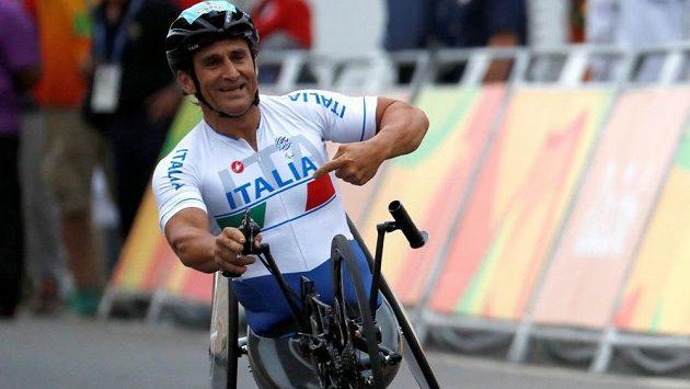 Bývalý jezdec formule 1 Alex Zanardi se po vážné nehodě na handbiku podrobil čtvrté operaci hlavy.