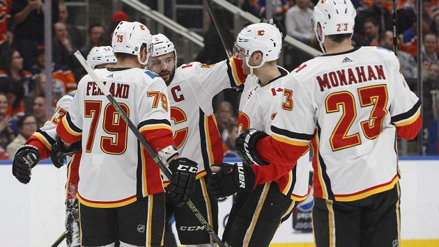 Hokejisté Calgary ocenili přístup Jaromíra Jágra v kabině Flames.